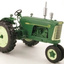 Oliver 770 Gas tractor, green